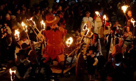 4 lễ hội nổi tiếng ở Anh mà bạn nhất định phải tới